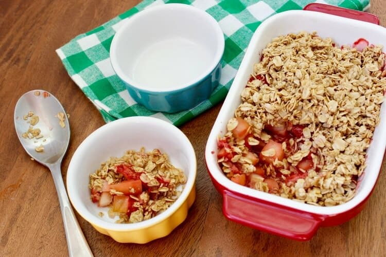 Strawberry & Apple Breakfast Crumble