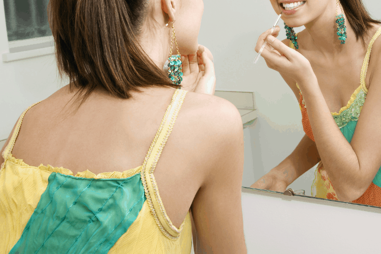 How to Be a Beautiful Christian Woman in an Appearance Obsessed World